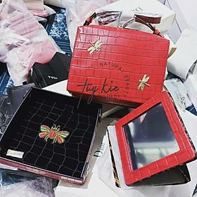 Sét túi khay đựng, gương để bàn và túi đeo chéo nền đỏ Estee Lauder Gift 2020