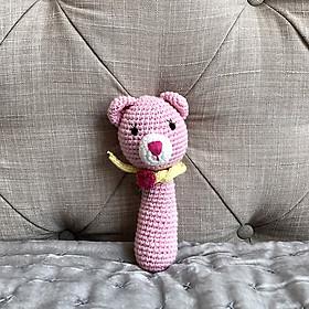 Lục lạc dài Thú bông bằng len Mèo Suri hồng - sản xuất thủ công handmade in Việt Nam - chất liệu 100% cotton, hàng chính hãng xuất khẩu - (15cm), đồ chơi an toàn cho trẻ em đến mọi lứa tuổi