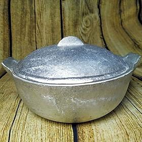 Nồi Gang KHO THỊT CÁ được ĐÚC NGUYÊN KHỐI, gò thủ công SIÊU ĐẸP -Size 25cm Dùng nấu CƠM NIÊU, KHO THỊT CÁ THƠM NGON. Phù hợp GIA ĐÌNH Nhà hàng quán ăn