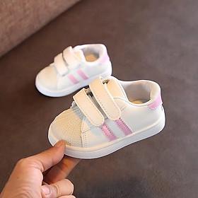 Giày em bé dáng thể thao cực cute với họa tiết 2 sọc độc đáo T2