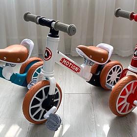 Xe chòi chân Motion của Umoo cho  bé từ 2 tuổi 3 bánh có bàn đạp, xe 2in1
