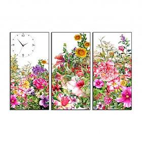 Hình đại diện sản phẩm Tranh đồng hồ ghép 3 tấm in Canvas Khu Vườn Mùa Xuân