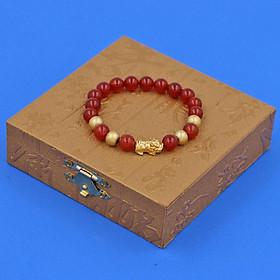 Chuỗi đeo tay mã não đỏ 8 ly - cẩn Tỳ Hưu inox vàng VMNOTHVB8 + hộp gỗ - hợp mệnh Hỏa, mệnh Thổ