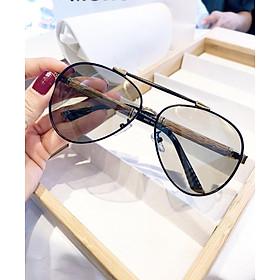 Kính mát nam cao cấp tròng kính đổi màu khi đi ra nắng, đổi màu theo nhiệt độ - Mắt kính chống tia UV gọng gỗ độc đáo P8502