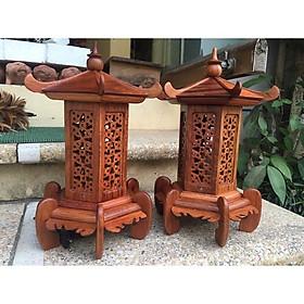 Cặp đèn thờ dạng mái cong gỗ hương