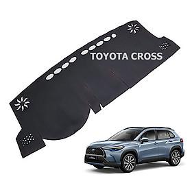 Thảm da Taplo vân Carbon Cao cấp dành cho xe Toyota Cross 2020 có khắc chữ Toyota Cross và cắt bằng máy lazer