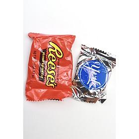 2 gói Socola ngẫu nhiên - (Tách từ Kirkland Signature all chocolate 150 viên 2.55kg)