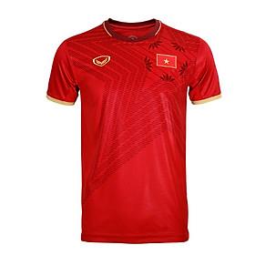 Bộ quần áo thi đấu đội tuyển Việt Nam màu đỏ năm 2020, vải thun thể thao, thấm hút tốt, thoáng mát, co dãn, thoải mái vận động, kiểu dáng trẻ trung, có logo