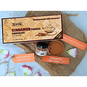Bột Socola Quế SHE Chocolate 200g của Việt Nam Được Kết Hợp Giữa Bột Socola Nguyên Chất SHE và Bột Quế Giàu Dưỡng Chất, Năng Lượng, Đặc Biệt Rất Tiện Lợi