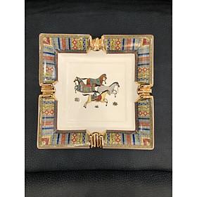 Gạt tàn thuốc phong cách Châu Âu tân cổ điển nhập khẩu cao cấp họa tiết hình con ngựa đẹp xuất sắc chất liệu sứ cao cấp dùng làm quà tặng tân gia-tặng sếp, đặt bàn làm việc sang trọng hoặc nhà tân cổ điển đựng tàn thuốc