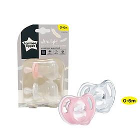 Ty ngậm silicon siêu nhẹ cho bé Tommee Tippee 0-6 tháng (vỉ 2 cái) – Trắng / Hồng