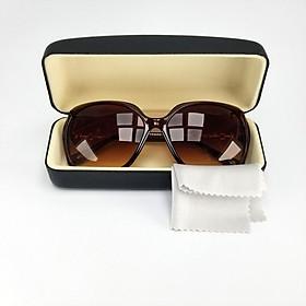 Mắt kính mát nữ thời trang mã DKY8803TR. Bộ kèm hộp đựng kính và khăn lau kính.