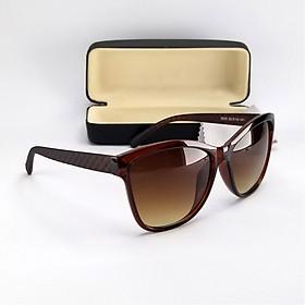 Mắt kính nữ thời trang râm mát chống nắng 5505TRDKY. Tròng Polarized màu nâu trà phân cực, chống tia UV. Gọng Polycarboante