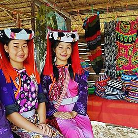 Vé Làng Moo Baan Chon Pao Pattaya, Thái Lan (Vé Vào Cổng + Cưỡi Voi + Đưa Đón)