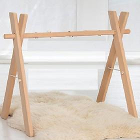 Kệ chữ A bằng gỗ treo đồ chơi cho bé