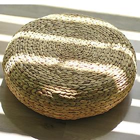 Ghế Đôn tròn thấp đan Lục Bình (46 cm x 18 cm)