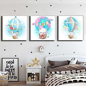 Bộ 3 tranh canvas trang trí phòng trẻ em Mèo con và những người bạn - TTE003