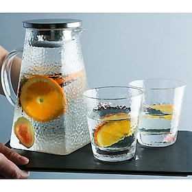 Bình thủy tinh vân dập 1,6L có nắp đậy và 2 ly uống nước 280ML