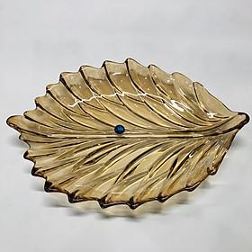 Đĩa thủy tinh mầu vàng hình lá