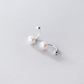 Bông tai bạc nữ- Bông tai bi bạc kết hợp với hạt trai nhân tạo kiểu dáng mới.
