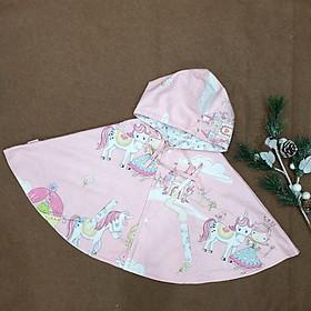 Áo khoác chống nắng cho bé gái 4 mùa kiểu áo cánh dơi poncho  mẫu công chúa bên xe ngựa nền hồng dễ thương