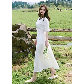 Đầm trắng suông dài thắt eo