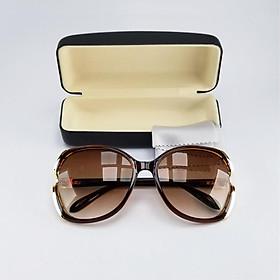 Mắt kính mát thời trang nữ màu nâu trà, mã DKY1925TR. Bộ kèm hộp đựng kính và khăn lau kính.
