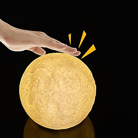 Colour-changing 3D Moon Light with Touch Sensor Night Light Decoration (with 3xAAA Battery)
