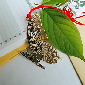 Bookmark kim loại vàng đồng hình con bướm kèm dây treo đồng tâm