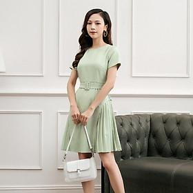 Đầm Cổ Tròn Tay Ngắn Thắt Lưng Cùng Màu Chân Váy Xòe Xếp ly 2 Bên Hông Đầm Ngang Gối V008 Vải Trượt Hàn Quốc Cao Cấp Màu Xanh Và Màu Hồng Lịch Sự