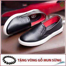 Giày Slip On Nam Aroti Đế Khâu Chắc Chắn Phong Cách Đơn Giản Màu Đen - M498-DEN(GM)- Kèm Vòng Phong Thủy Gỗ Mun