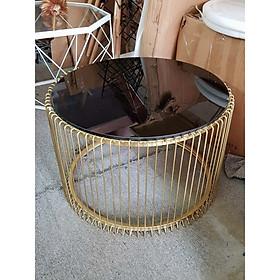bàn tròn sofa chân vàng mặt đen