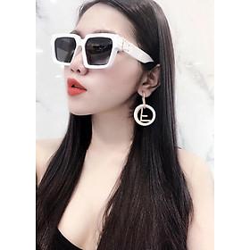 Mắt kính mát nữ DKY0993TR. Tròng Polarized màu đen khói phân cực chống tia UV, gọng Polycarboante