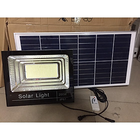 Đèn pha năng lượng mặt trời công suất 200w, ánh sáng trắng