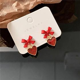Bông tai hình trái tim đỏ ngọt ngào