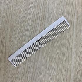 Lược cắt tóc răng to và nhỏ