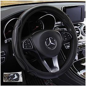 Vỏ bọc vô lăng ô tô vân dập nổi ba chiều viền chun co giãn phù hợp với mọi loại xe có kích thước tay lái 33-38 cm