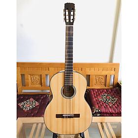 Đàn guitar classic model DVE70CX có EQ 7545R cho ra âm thanh tốt dành cho bạn mới tập