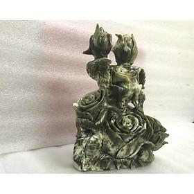 Hoa hồng điêu khắc từ đá ngọc serpentine cao 33 cm