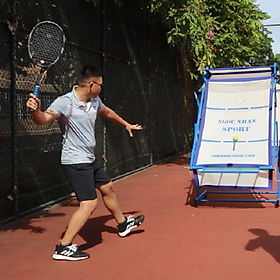 Tường tập tennis