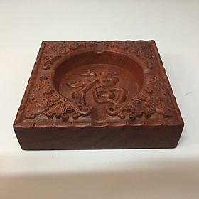 Gạt tàn thuốc lá gỗ hương xịn , khắc hoa văn chữ Phúc