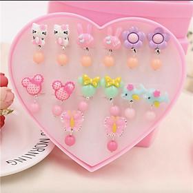 Khuyên tai kẹp cho bé nhựa họa tiết hoạt hình nhiều màu hình trái tim - Combo hộp 7 đôi