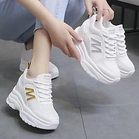 Giày thể thao nữ độn đế chữ M