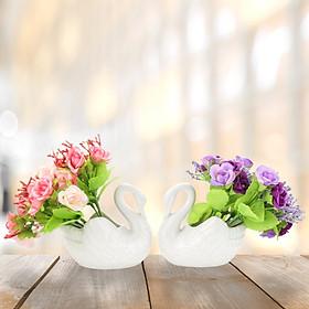 Đôi thiên nga sứ trắng trang trí hoa sang trọng, tinh tế