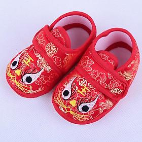 Giày đỏ họa tiết trung hoa cho bé