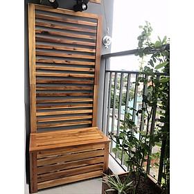 Băng ghế ngồi kết hợp ngăn cất đồ và vách gỗ trang trí ban công