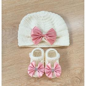 Set nón tuban và giày cho bé mẫu mới