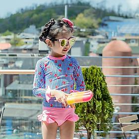 Đồ bơi bé gái tay dài hình dâu tây h115