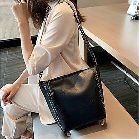 Túi nữ đeo chéo màu đen VBA120 kiểu dáng sang trọng lịch lãm