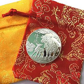 Xu lưu niệm của Úc hình con Trâu màu Bạc tặng kèm túi gấm, vật phẩm phong thủy cầu may mắn, sung túc, dùng trưng bày bàn sách, mang theo trong túi, làm quà tặng, tiền lì xì - SP005027